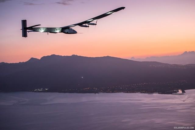 Con éxito el Solar Impulse cruzó el Atlántico y aterrizó en Sevilla