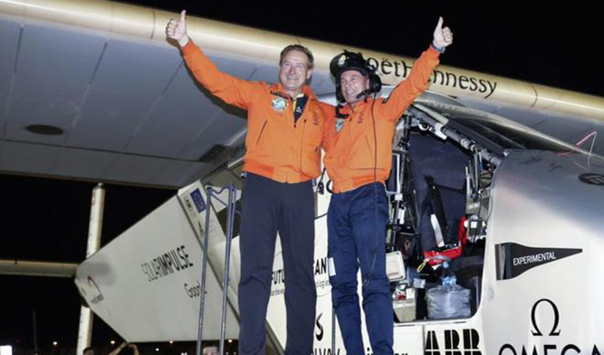 ¡Misión Cumplida! Solar Impulse II completó la vuelta al mundo sin combustible