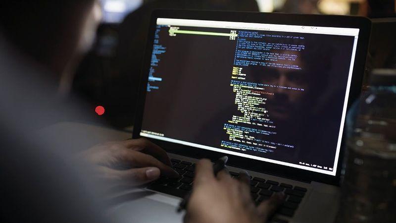 Aumentó 51% el uso de aplicaciones de espionaje y acoso en línea durante la cuarentena