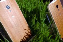 Motorola lanzara dos versiones del Moto X elaboradas con madera