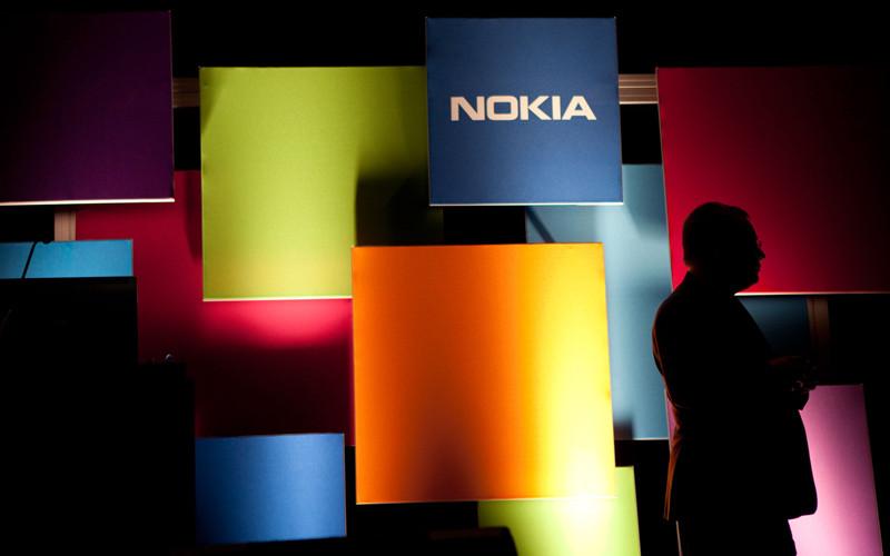 Nokia busca un socio para lanzar smartphone con marca propia