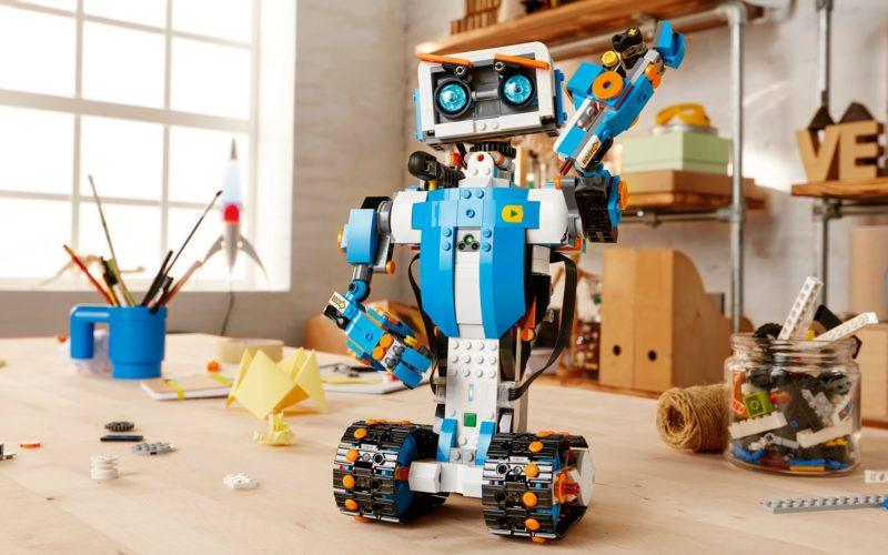 Anuncian en el CES 2017 el robot de LEGO Boost