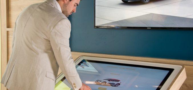 Distribuidor automotriz presenta su experiencia virtual en piso de venta con DassaultSystèmes