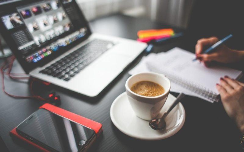 Redes sociales en el trabajo:  ESET ofrece 5 datos clave para mantenerse protegidos