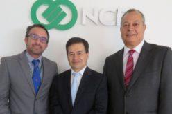 NCR fortalece la comercialización de su nueva familia de cajeros automáticos en Colombia