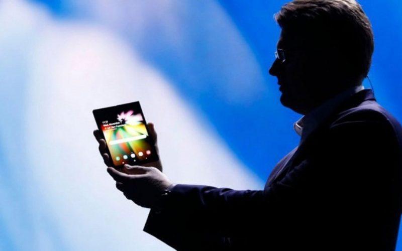 El teléfono plegable de Samsung tiene precio y una fecha de lanzamiento