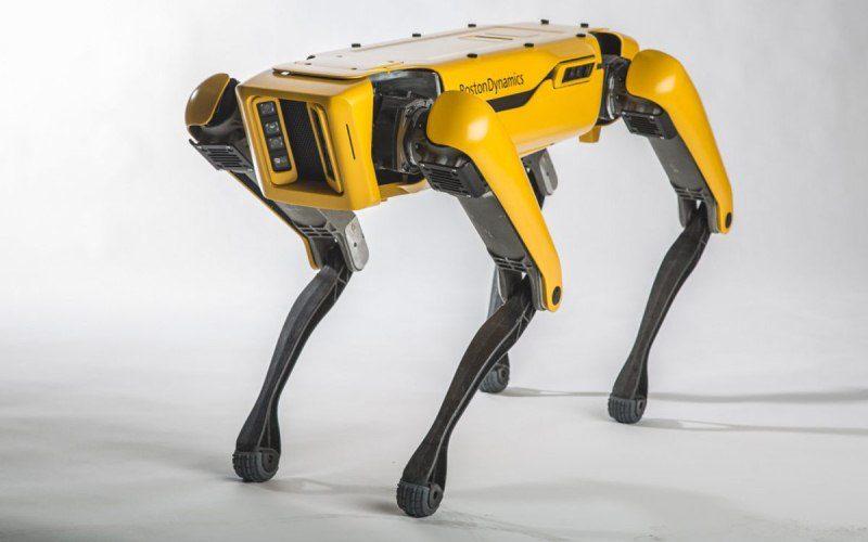 Nuevas accesorios para SpotMini: el perro robot